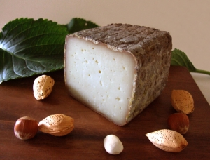 Fumaison, ewe milk cheese available to sell