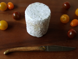Clacbitou, goat milk cheese available to sell