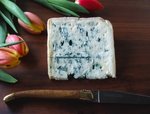 Bleu de Laqueuille, cow milk cheese available to sell
