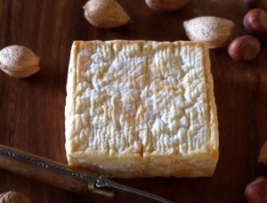 Carré Mirabelle, cow milk cheese available to sell