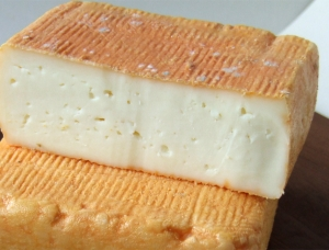Carré Corse half, ewe milk cheese available to sell