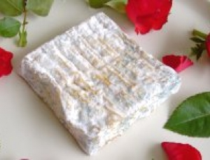 Saint Valentin, goat milk cheese available to sell