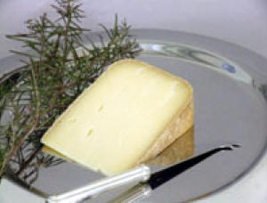 Pyrénées de Brebis, ewe milk cheese available to sell