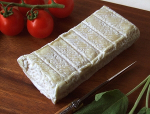 Briquette de Brebis, ewe milk cheese available to sell