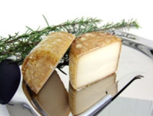 Lossaba, ewe milk cheese available to sell