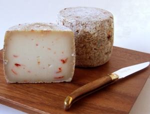 Tommette d'Espelette , ewe milk cheese available to sell