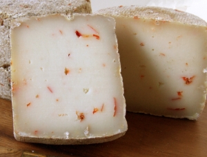 Tommette d'Espelette half, ewe milk cheese available to sell