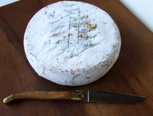 Le Pipoune, ewe milk cheese available to sell