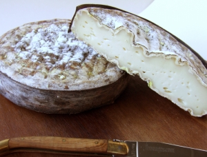 Le Pipoune matured, ewe milk cheese available to sell