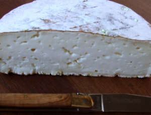 Le Pipoune half, ewe milk cheese available to sell