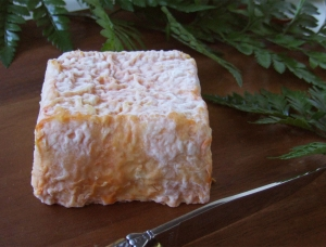 Carre d'Ambre, goat milk cheese available to sell