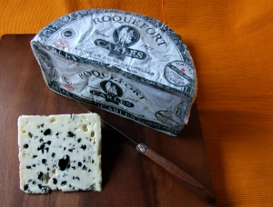 Roquefort PDO Baragnaudes 337g, ewe milk cheese available to sell