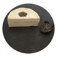 Brillat Savarin with black truffles 1/2, cow milk cheese