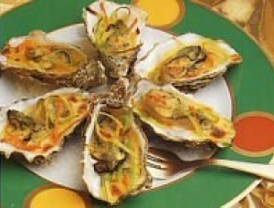 Steamed oysters with Fourme d'Ambert